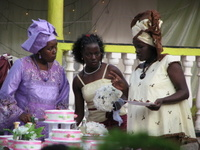 Women_in_nigerian_dress