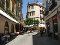 Street_cafes_in_sevilla