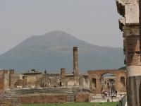 View_of_vesuvius_from_pompeii_for_4