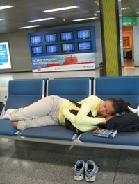 Sleeping_in_milan_airport