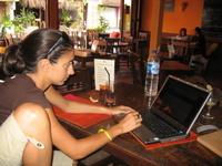 Blogging_at_a_restaurant_hot_spot